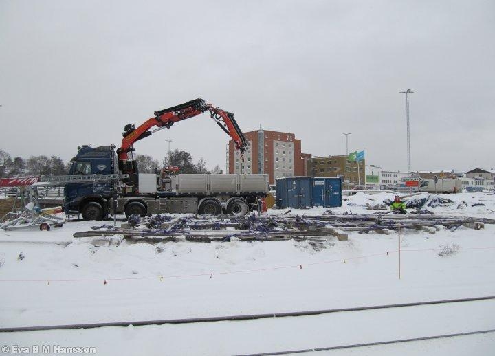 Arbete pågår med Östra länken. Tannefors kl 12:17 den 15 januari 2013.