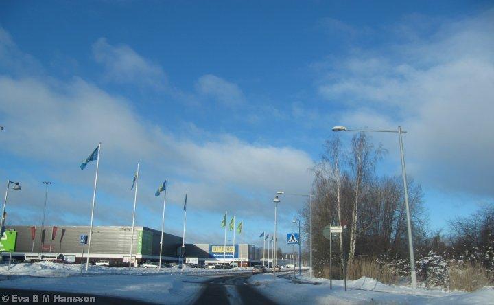 Vacker söndag på till att veckohandla på City Gross. Norrköping kl 12:33 den 20 januari 2013.