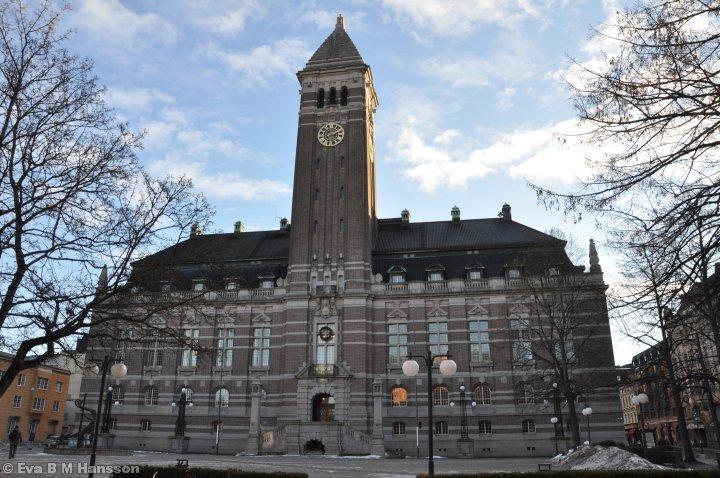 Vårt pampiga rådhus. Tyska torget i  Norrköping kl 14:14 den 2 februari 2013.