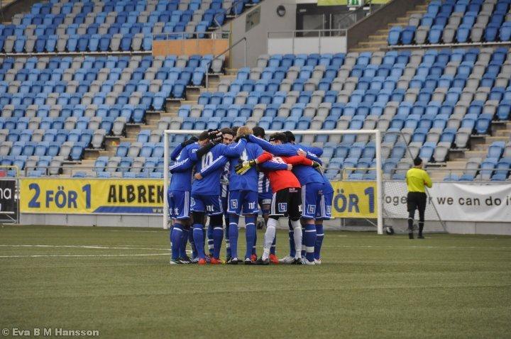 Träningsmatch för IK Sleipner. Nya Parken i Norrköping kl 12:04 den 23 februari 2013.
