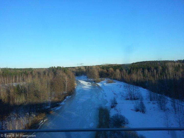 Göta kanal ännu i vinterskrud. Norsholmsbron kl 16:36 den 11 mars 2013.