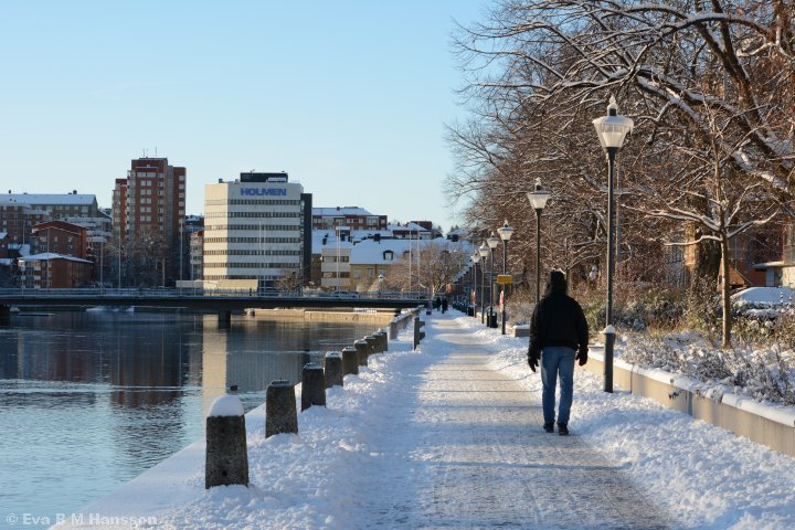 Strandpromenaden mot väster utmed Saltängsgatan.