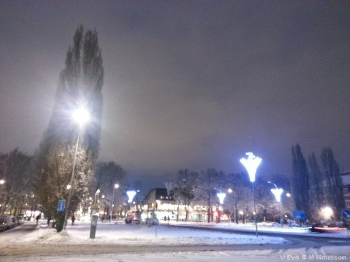 Oskärpa. Kristinaplatsen kl 16:59 den 22 januari 2015.