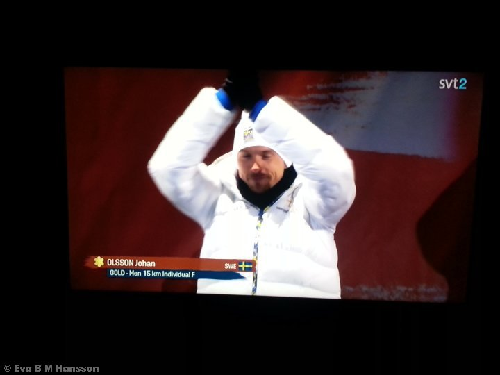 Guld!!!!! Hemma i TV-soffan i Söderstaden kl 20:19 den 25 februari 2015.