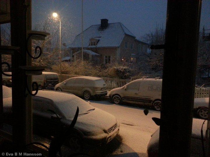 Vinterns återtåg. Söderstaden kl 05:29 den 21 mars 2015.