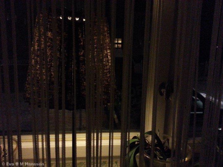 Det är kväll. Söderstaden kl 21:41 den 27 mars 2015.