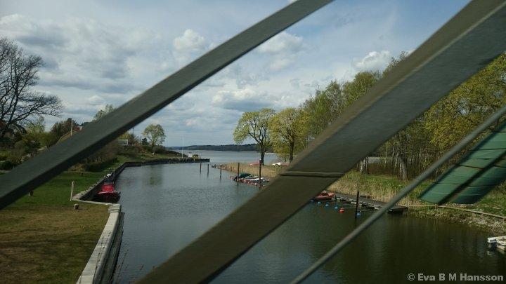 Göta kanal passeras. Norsholm kl 12:57 den 30 april 2015.